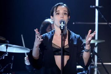 Savages - Adore (Live At The Ellen DeGeneres Show )