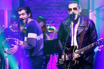 The Last Shadow Puppets - Bad Habits (Late Night With Seth Meyers)