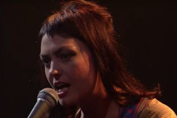 Angel Olsen - Shut Up Kiss Me (Live @ The Late Show with Stephen Colbert)