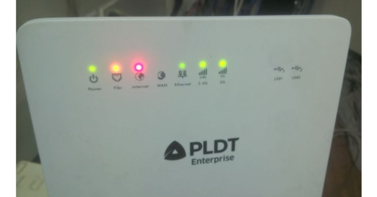 PLDT modem light meaning, the Light indicator