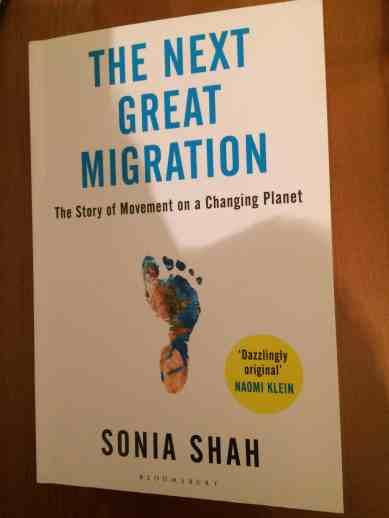 Sonia Shah The Next Big Migration: l'autrice istituisce una analogia storica tra l'atteggiamento di ripulsa nei confronti degli immigrati, e il conseguente proliferare di legislazioni xenofobe, e la propensione scientifica a considerare le specie invasive una minaccia per gli ecosistemi ancora intatti.