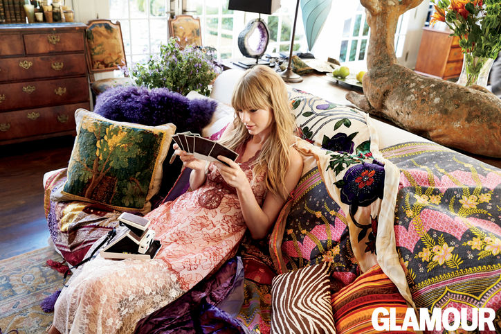 03-taylor-swift-glamour-cover-couch-1-w724
