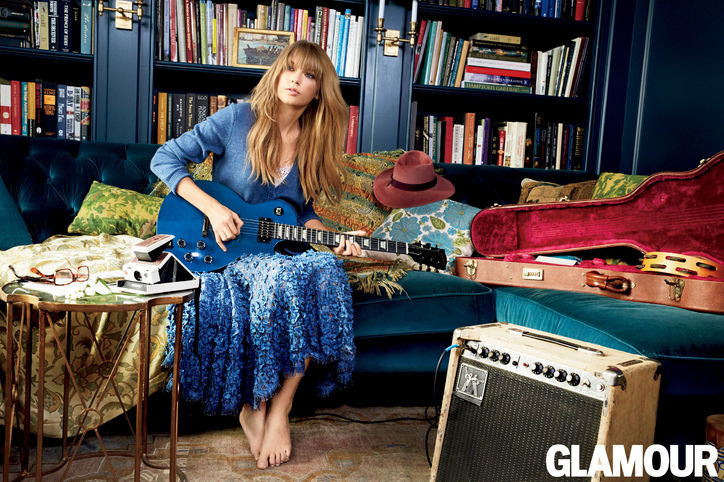 04-taylor-swift-glamour-cover-guitar-w724