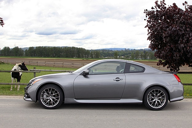 2011 Infiniti G37 IPL Coupe Review sideview