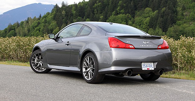 2011 Infiniti G37 IPL Coupe Review rear