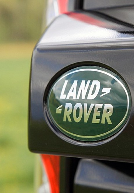 2011 Land Rover LR4 Review badge