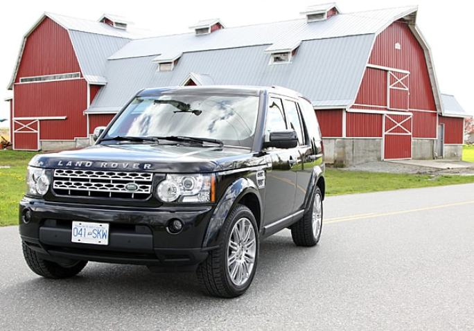 2011 Land Rover LR4 Review front