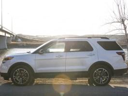 2013 Ford Explorer Sport tires