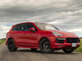 2016-porsche-cayenne-gts-review-5