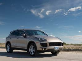 2015-porsche-cayenne-v6-review (1 of 14)