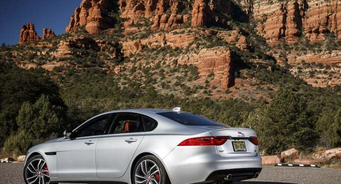 2016 jaguar xf r-sport review (4 of 9)