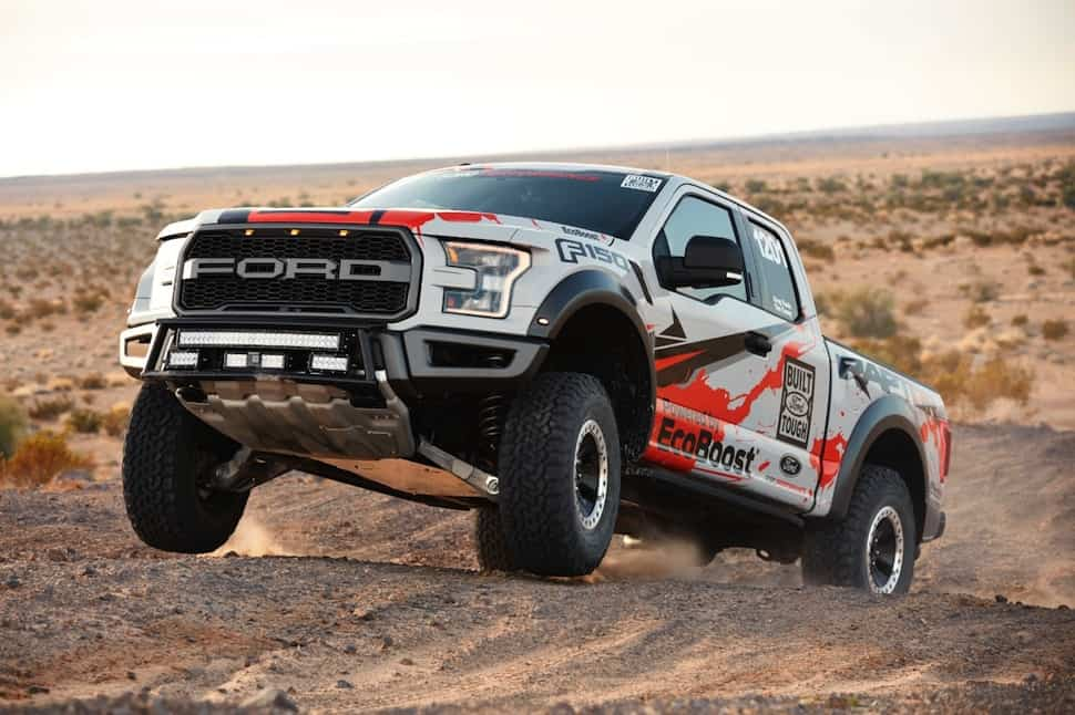 2017 ford raptor race truck jumping