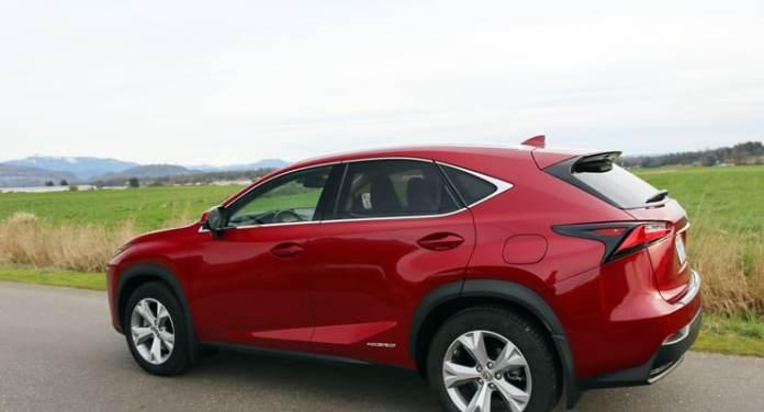 Lexus_NX300h_Profile