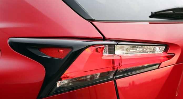 Lexus_NX300h_Taillamp