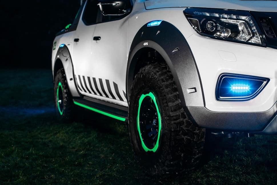 Nissan Navara EnGuard Concept Rescue Truck bluelight