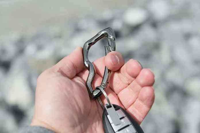 SVØRN Arcus Carabiner for keys