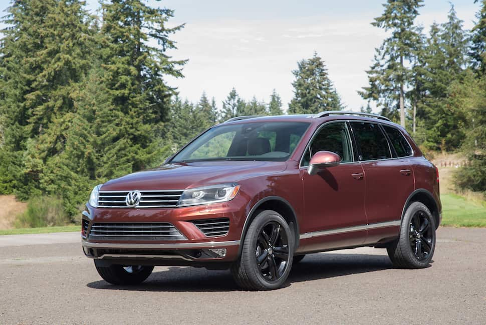 2017 Volkswagen Touareg Review front profile