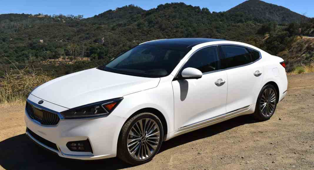 2017 Kia Cadenza Limited review