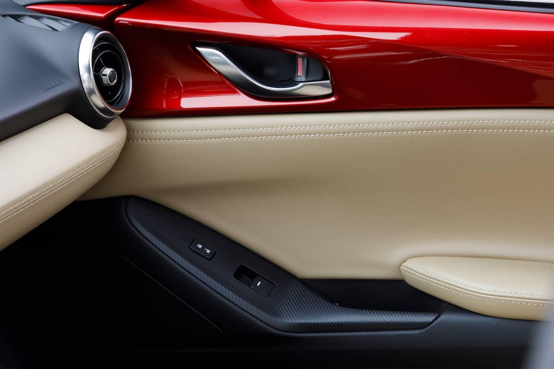 2017 Mazda MX-5 RF review door details