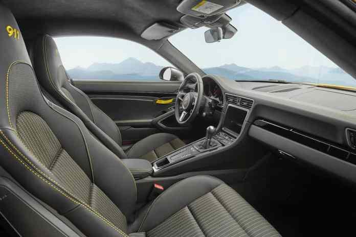 2018 Porsche 911 Carrera T interior