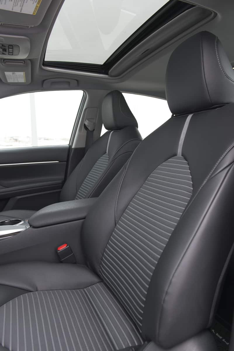 2018 Toyota Camry SE Review front seats