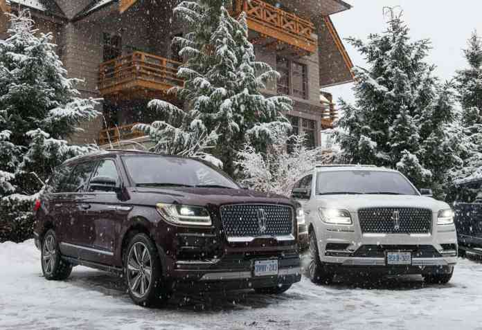 2018 Lincoln Navigator in the snow