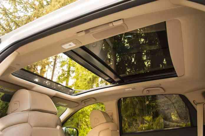 2019 acura rdx interior cabin and sunroof