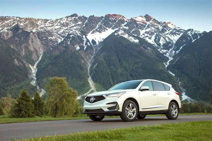2019 acura rdx review in mountains with blue sky