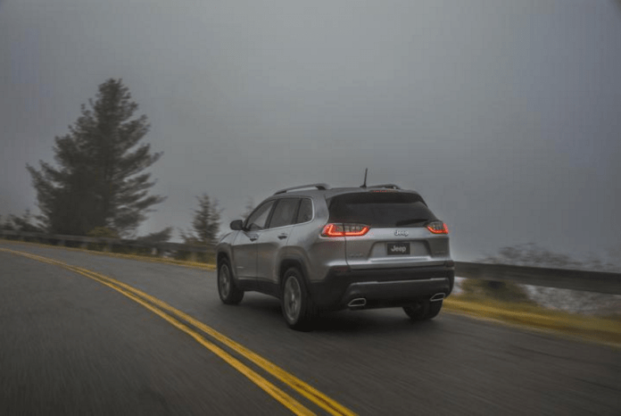 2019 jeep cherokee limited review rear driving