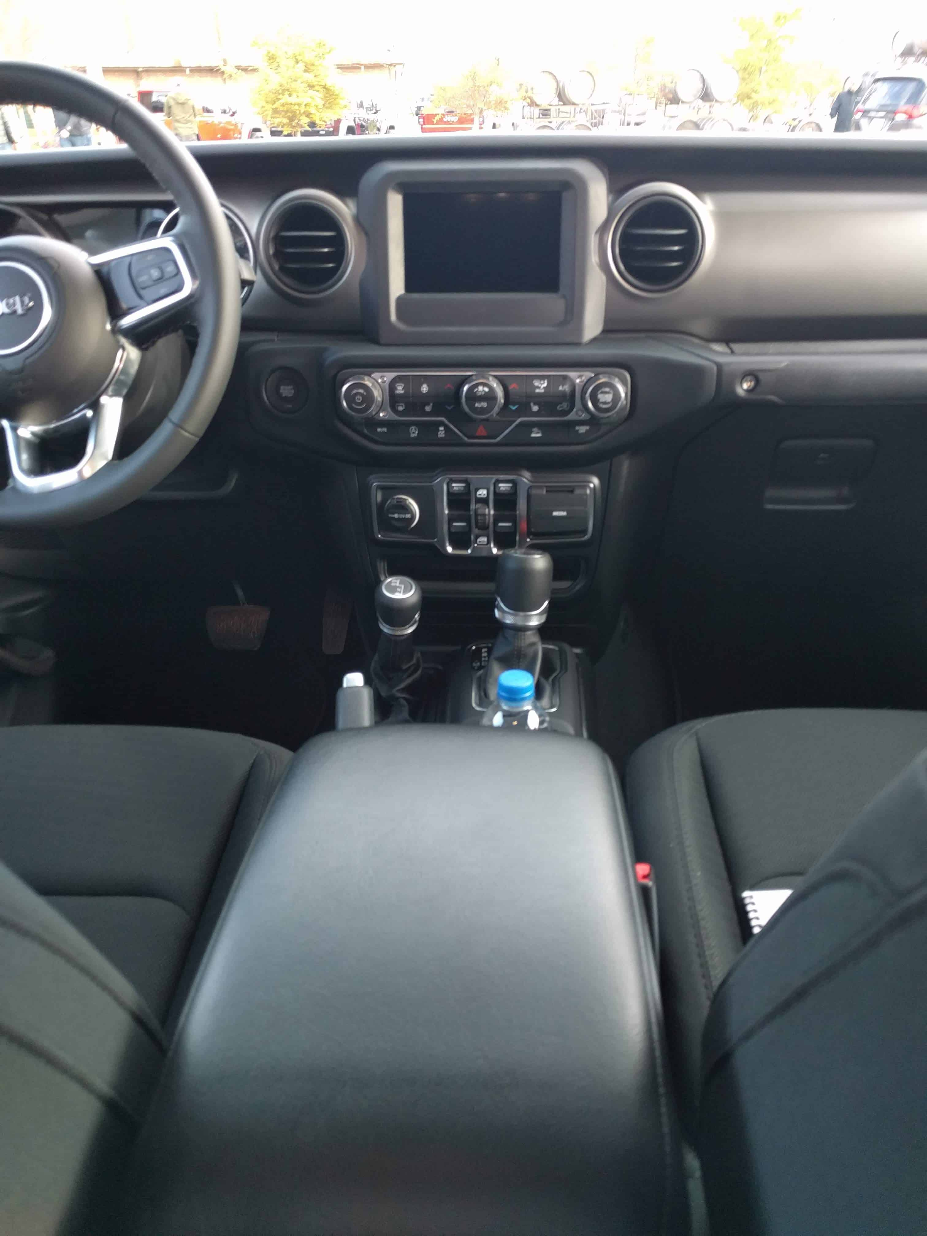 2020 jeep gladiator new truck interior front centre stack