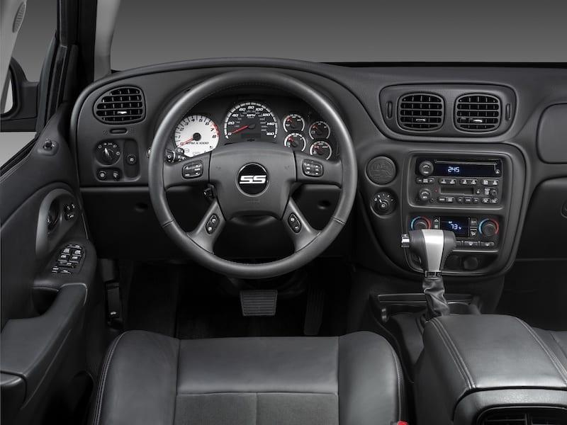 2009 Chevrolet TrailBlazer SS interior