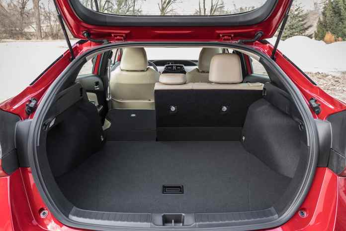 2020 Toyota Prius xle awd hatchback rear trunk space