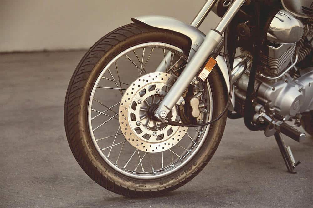 2020-yamaha-V-Star-wheel