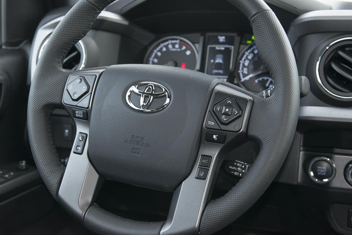 2020 Toyota Tacoma TRD (10 of 13)