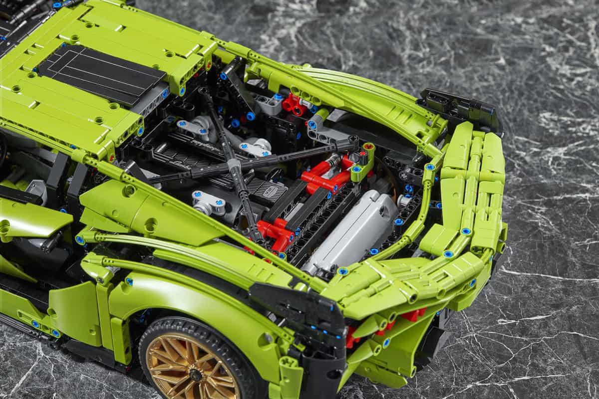 Lego Technic Lamborghini Sián FKP 37 engine