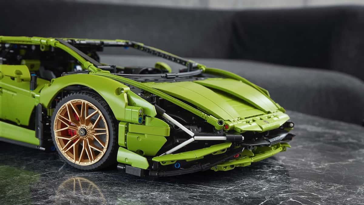 Lego Technic Lamborghini Sián FKP 37 front grill