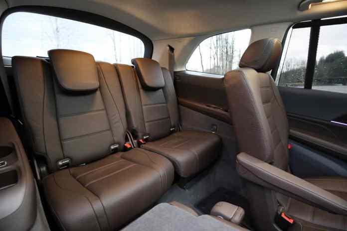 2020 Mercedes-Benz GLS450 4Matic rear seats