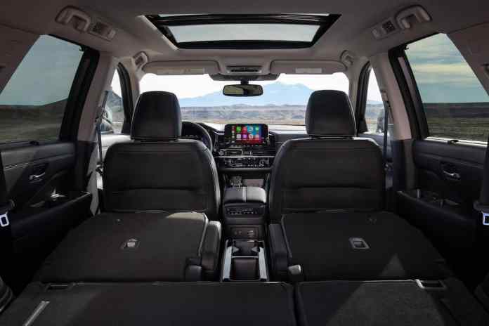 2022 Nissan Pathfinder interior seating