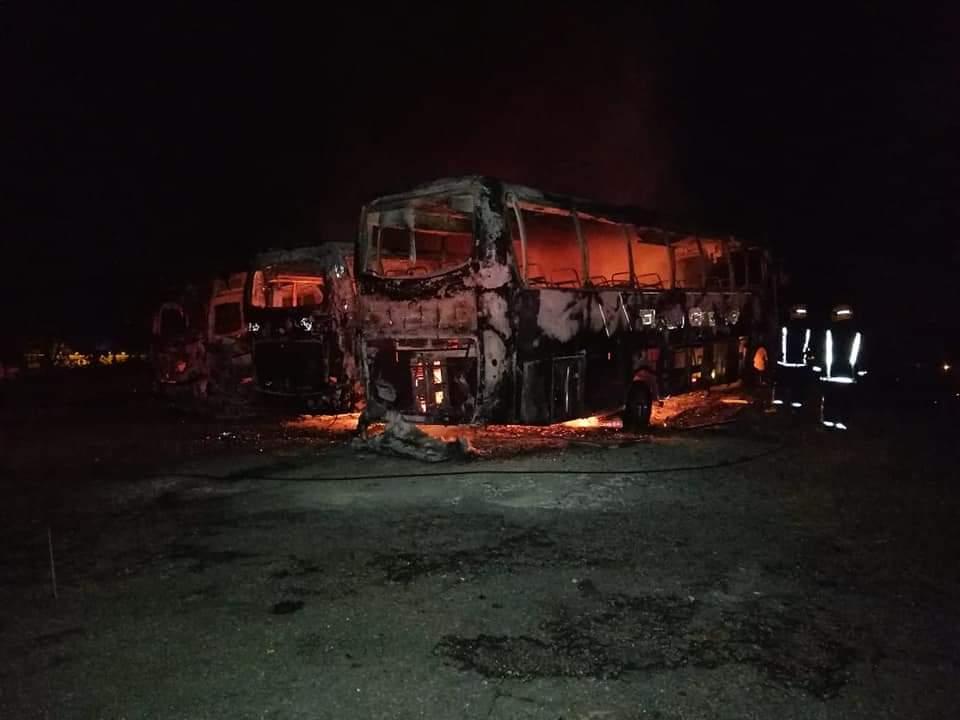 cuadro buses incinerados