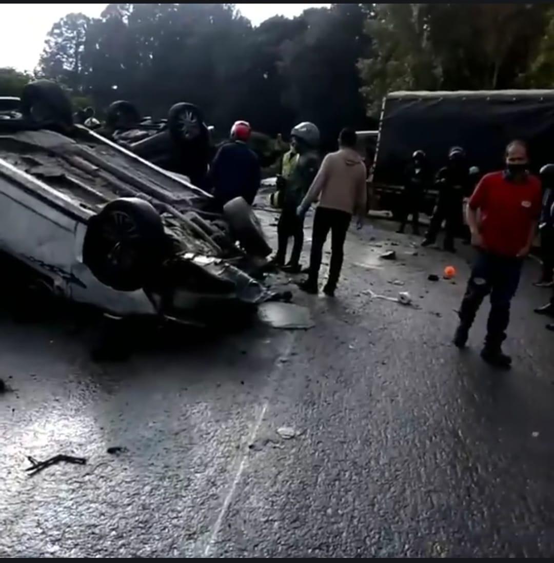 aparatoso accidente vía armenia
