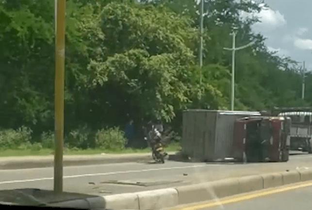lesionados tuvieron que descargar vehículo