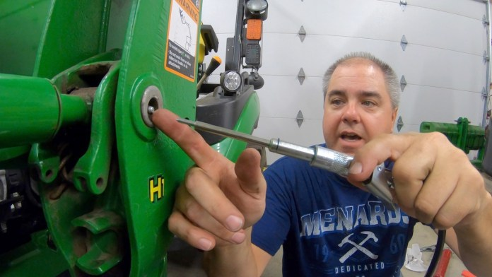 Greasing (Lubricating) the John Deere 1025R