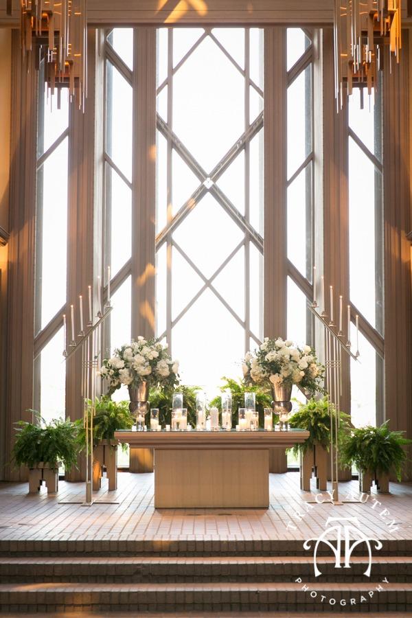 fort-worth-modern-wedding-art-museum-marty-leonard-chapel-lena-pope-tami-winn-events-black-white-elegant-classic-fun-tracy-autem-photography-emilee-jeff-details-33