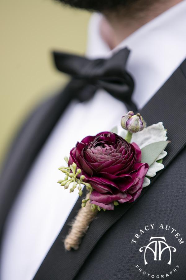 laura-and-david-wedding-details-classic-oaks-venue-wedding-reception-ideas-purple-tcu-flowers-justines-love-sign-rustic-tracy-autem-photography-0014