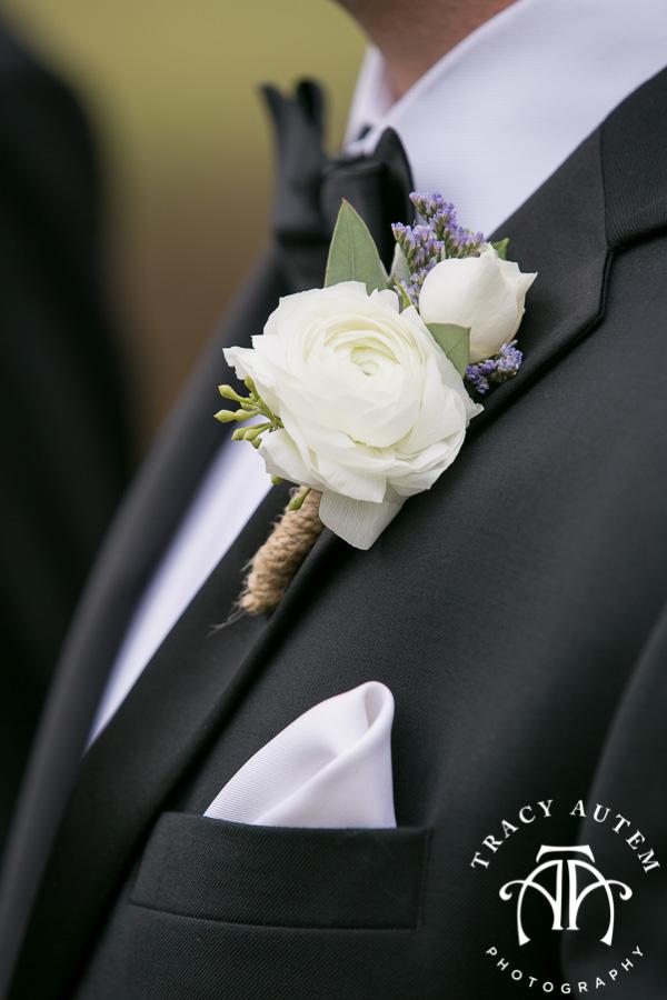 laura-and-david-wedding-details-classic-oaks-venue-wedding-reception-ideas-purple-tcu-flowers-justines-love-sign-rustic-tracy-autem-photography-0015