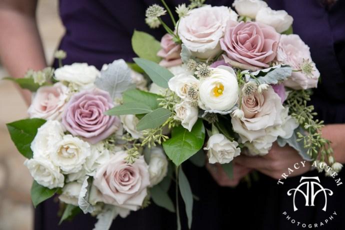 laura-and-david-wedding-details-classic-oaks-venue-wedding-reception-ideas-purple-tcu-flowers-justines-love-sign-rustic-tracy-autem-photography-0018