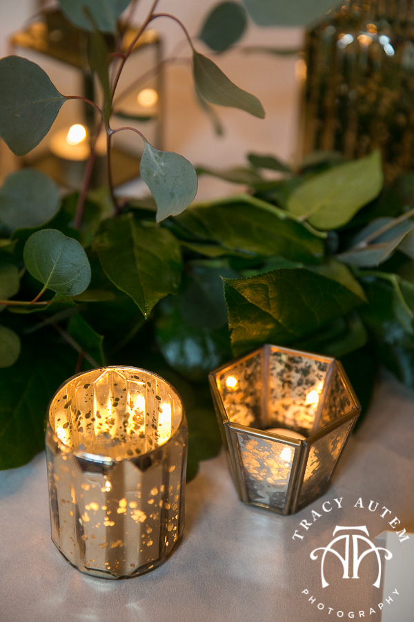 laura-and-david-wedding-details-classic-oaks-venue-wedding-reception-ideas-purple-tcu-flowers-justines-love-sign-rustic-tracy-autem-photography-0025