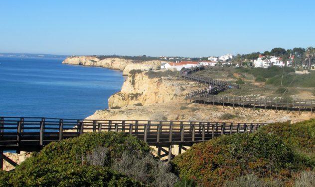 Extensive boardwalks, Carvoeira, Algarve