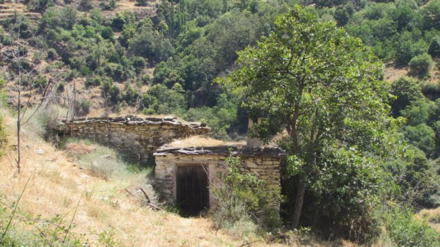 Ruined farmstead, Poqueno ravine, Alpujarros, SIerra Nevada, Granada, Spain