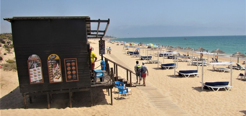 Afternoon stroll to Praia Grande de Pêra